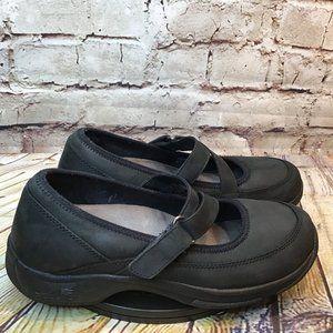 Dansko Womens Black Leather Adjustable Clogs 40